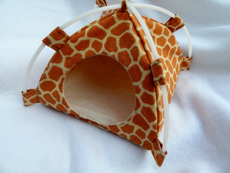 8/23/2014 115 AM 2624 Giraffe Small Snuggle Tent by LaurelsZoo Laurels Zoo.html & www.laurelszoo.com - /Small Tents/